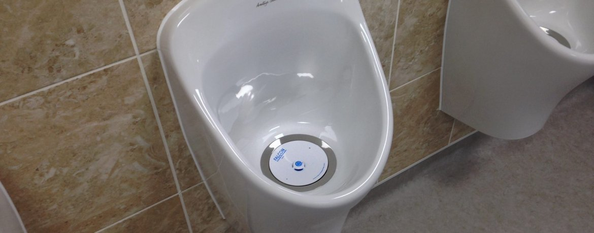 The Pros & Cons of Waterless Urinals