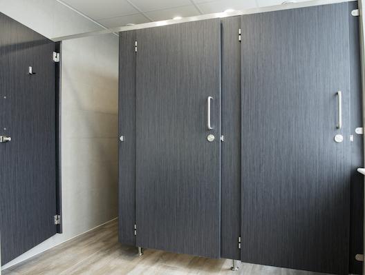 cubicles between walls