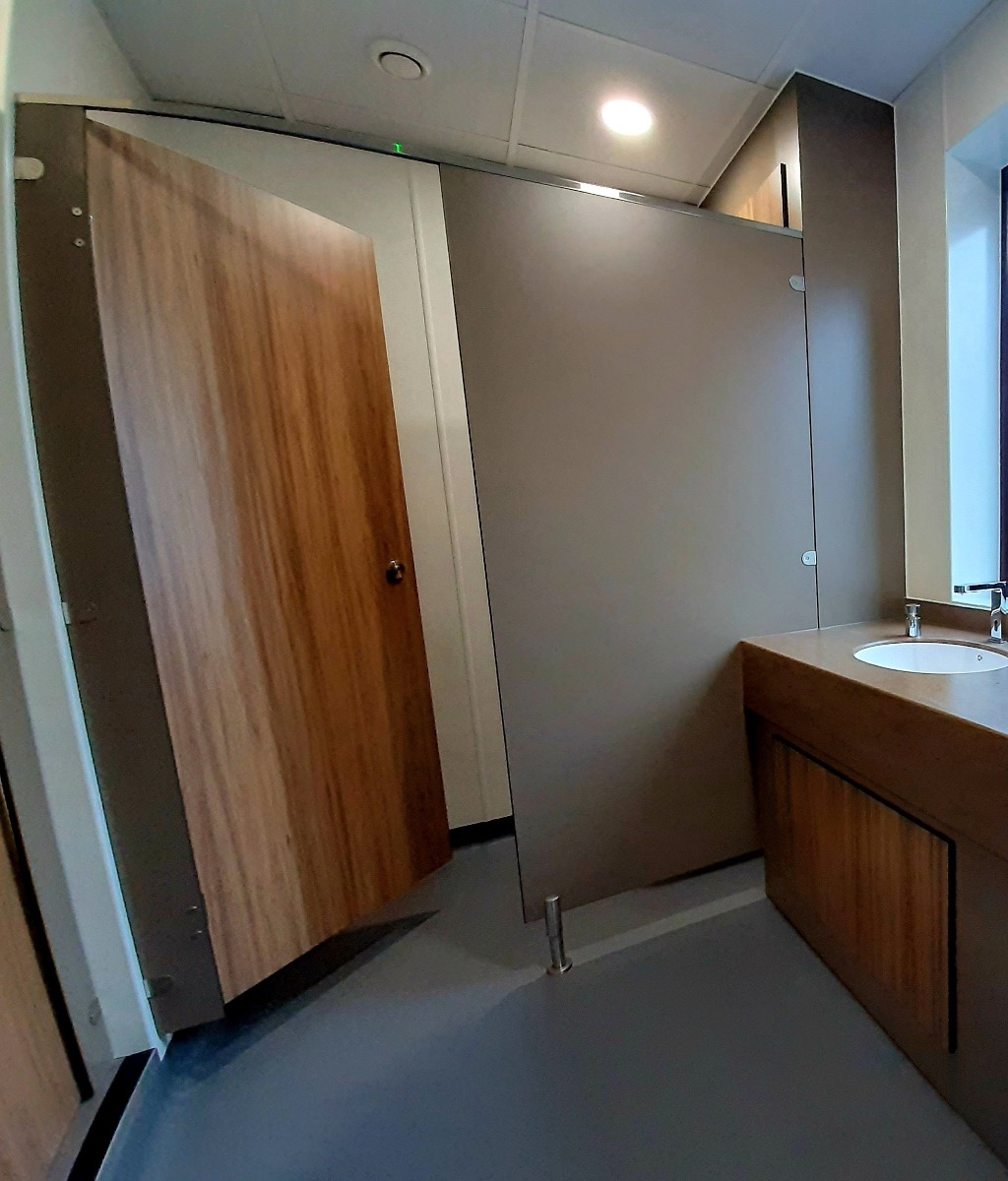 Inline cubicle