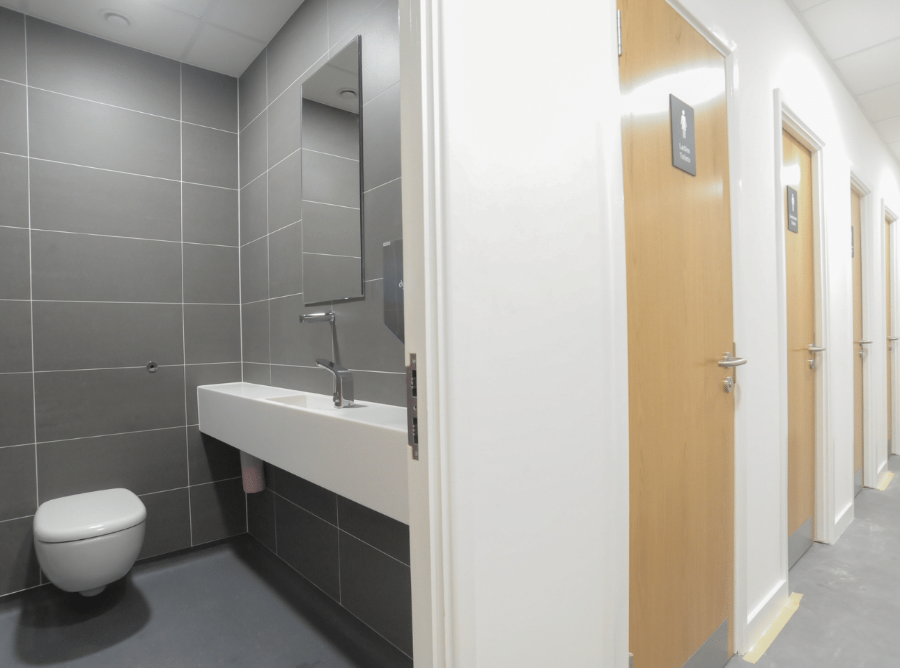 Super-loo Cubicles | National Physics Laboratory Case Study | Commercial Washrooms